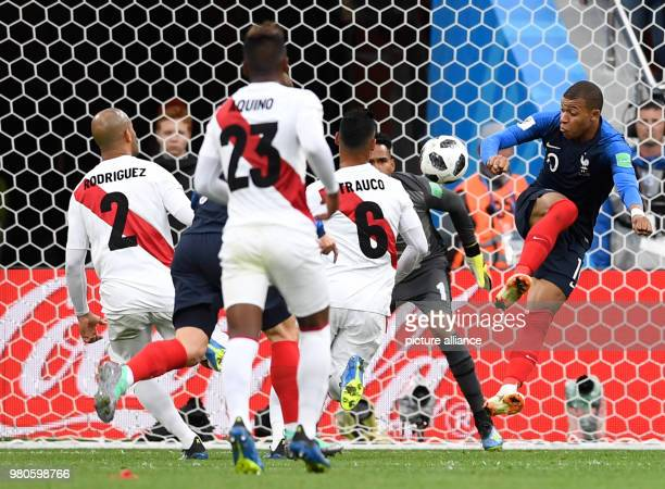 21 June 2018 Russia Yekaterinburg Soccer World Cup 2018 France vs Peru Preliminary round group C Second game day at the Yekaterinburg arena Kylian...