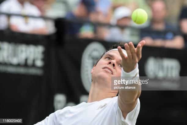 14 June 2019 BadenWuerttemberg Stuttgart Tennis ATPTour Stuttgart singles men quarter finals Fucsovics Raonic Milos Raonic before impact Photo Silas...