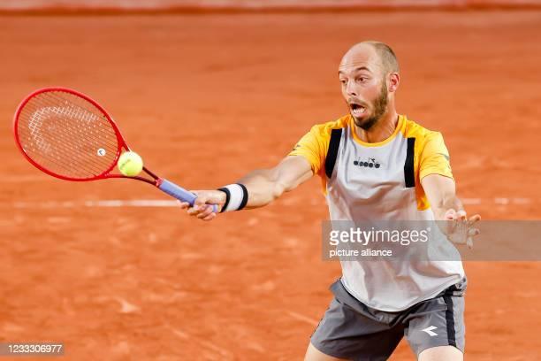 June 2021, France, Paris: Tennis: Grand Slam/ATP Tour - French Open, men's doubles, 3rd round, Nys/Puetz - Arneodo/Paire . Tim Puetz in action....