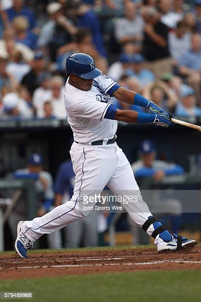 Kansas City Royals catcher Salvador Perez hits a solo home run in the 2nd inning of the Kansas City Royals 53 victory over the Los Angeles Dodgers at...