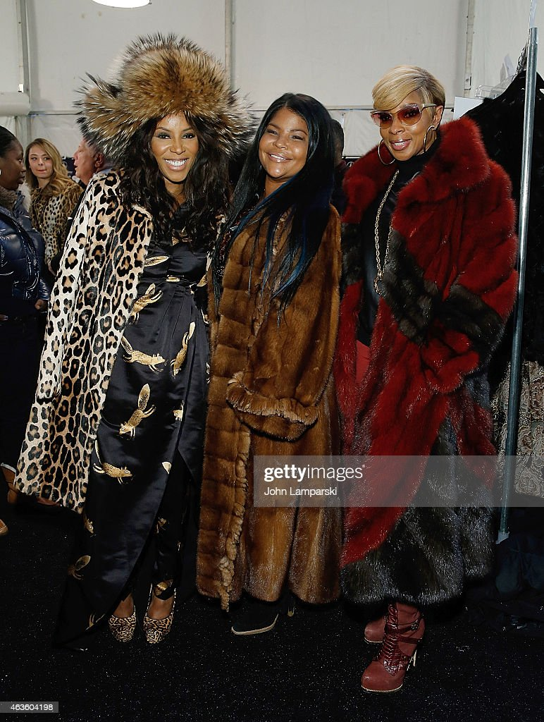 Dennis Basso - Front Row & Backstage - Mercedes-Benz Fashion Week Fall 2015 : News Photo