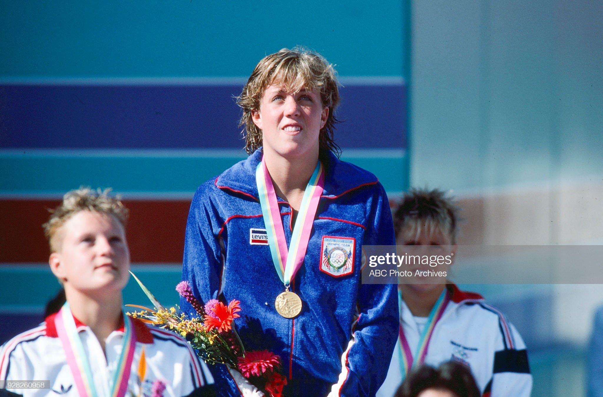 Women's Swimming 400 Metre Freestyle Medal ceremony At The 1984 Summer Olympics : Fotografía de noticias