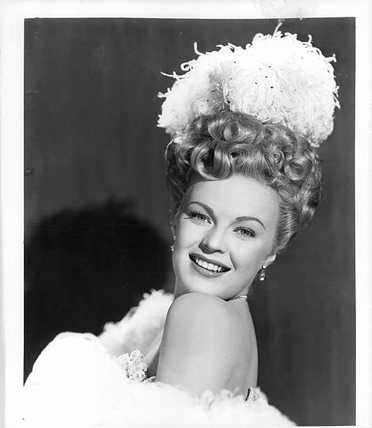 june-haver-publicity-portrait-1947-pictu