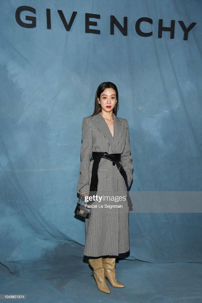 Givenchy : Photocall - Paris Fashion Week Womenswear Spring/Summer 2019 : News Photo