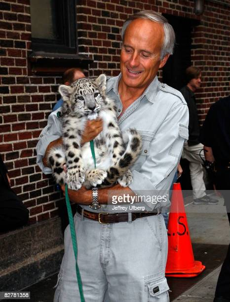 """Jungle"""" Jack Hanna visits the """"Late Show with David Letterman"""" at the Ed Sullivan Theatre on September 11, 2008 in New York City."""