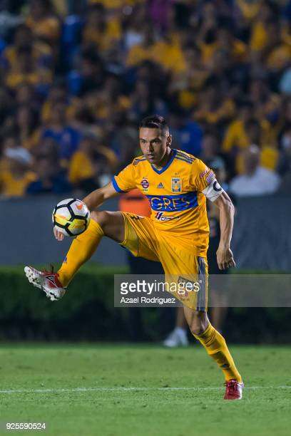 Juninho of Tigres controls the ball during the second leg match between Tigres UANL and Herediano as part of round of 16 of the CONCACAF Champions...