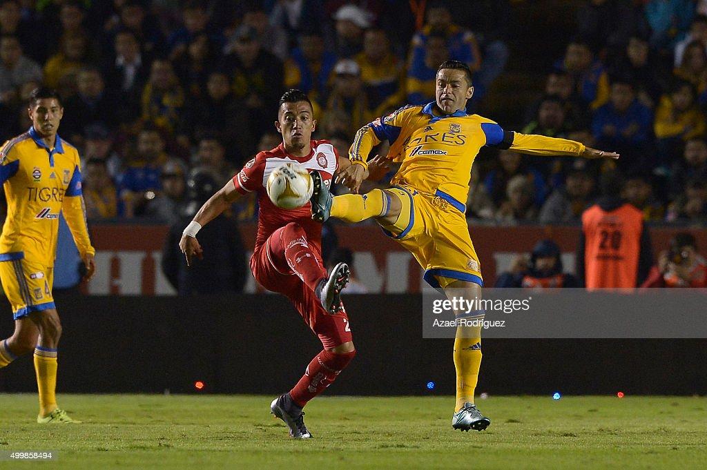 Tigres UANL v Toluca - Playoffs Apertura 2015 Liga MX : News Photo