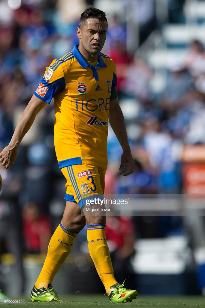 Cruz Azul v Tigres UANL - Clausura 2016 Liga MX : News Photo