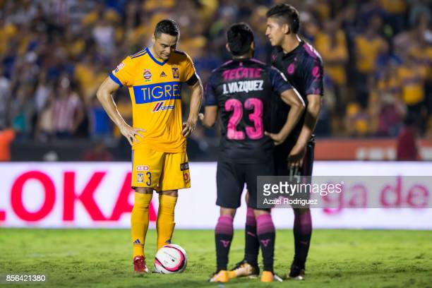 Juninho of Tigres prepares to kick a penalty during the 12th round match between Tigres UANL and Chivas as part of the Torneo Apertura 2017 Liga MX...