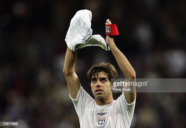 Juninho Pernambucano of Lyon applauds the Lyon fans at the end of the UEFA Champions League Group E match between Real Madrid and Olympique Lyon at...