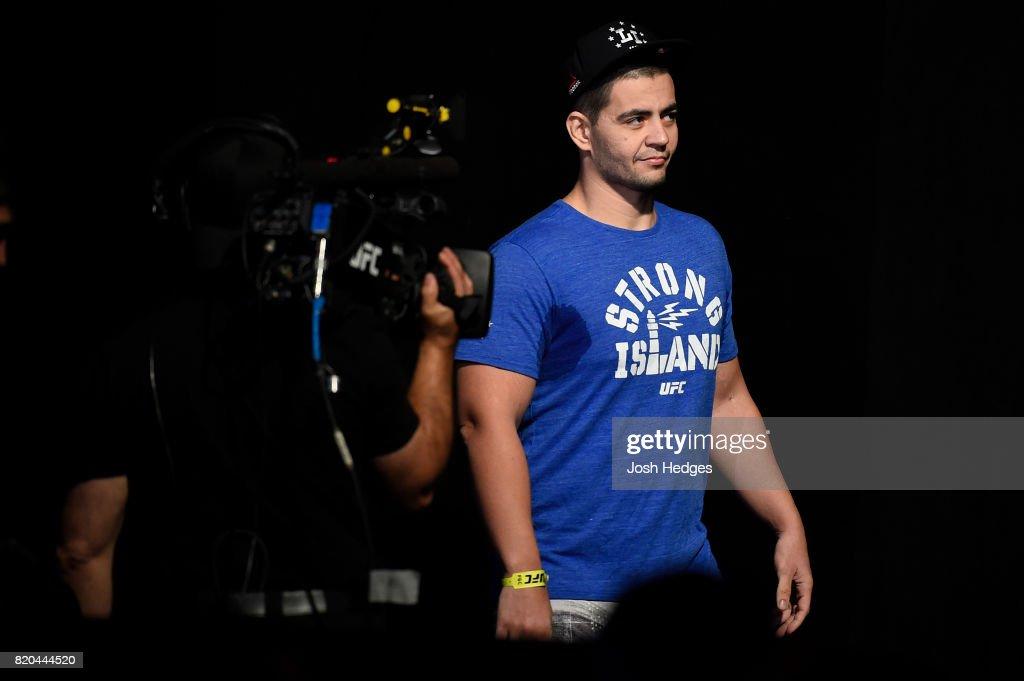 UFC Fight Night Weigh-in : Nachrichtenfoto
