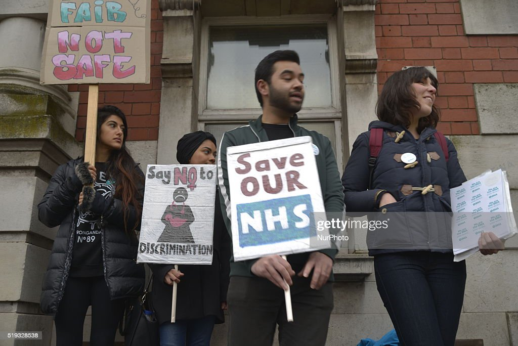 Junior doctors striking over the issue of weekend pay outside Manchester Royal Infirmary, where they are holding a picket line, in Manchester, Greater Manchester, England, United Kingdom on Wednesday 6th April 2016. Junior doctors in England have gone on strike on a 48-hour strike in protest over the terms of the new contracts issued by the Department of Health and National Health Service. The new contracts, it is claimed by doctors, will see increased hours and lower. This is because the Government want to make NHS services available 24 hours per day, 7 days per week. The doctors still want to retain weekend pay. Some doctors believe that their altruism is being taken advantage of. The government claims, there is near total near total agreement on the new contracts in which there are a variety of other clauses. This is the first time, in over a generation doctors have gone on a national strike in England.