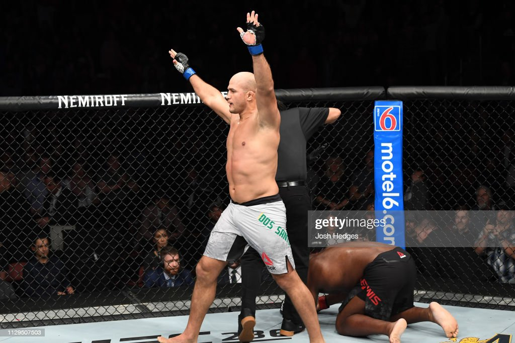 UFC Fight Night: Lewis v Dos Santos : News Photo