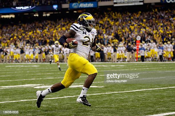 Junior Hemingway of the Michigan Wolverines catches a 45yard touchdown reception in the second quarter against the Virginia Tech Hokies during the...