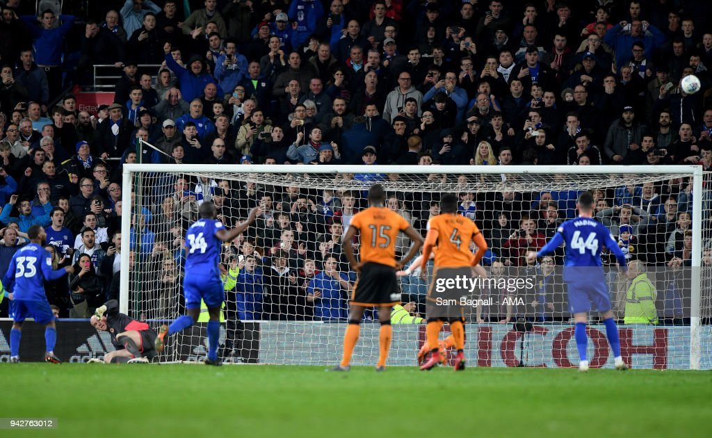 Junior Hoilett of Cardiff City misses a penalty kick during of the Sky Bet Championship match between Cardiff City and Wolverhampton Wanderers at Cardiff City Stadium on April 6, 2018 in Cardiff, Wales.
