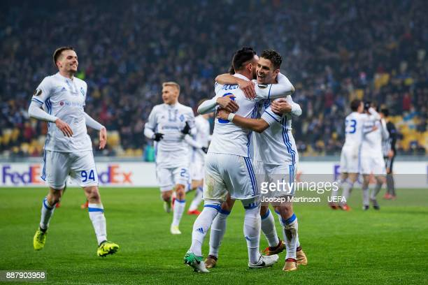 Junior Moraes of FC Dynamo Kyiv celebrates his second goal with Mykola Morozyuk of FC Dynamo Kyiv during the UEFA Europa League group B match between...