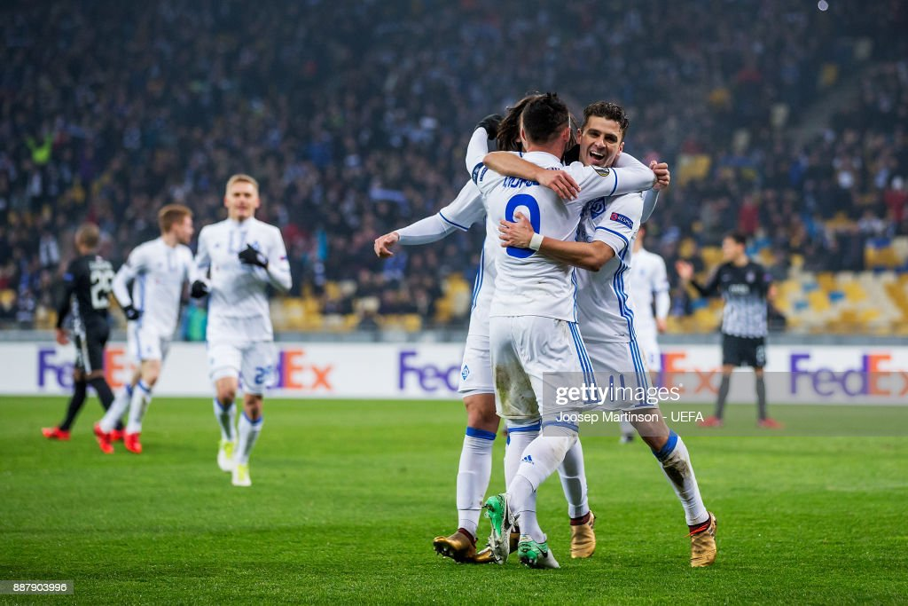 Junior Moraes of FC Dynamo Kyiv celebrates his second goal with Mykola Morozyuk of FC Dynamo Kyiv during the UEFA Europa League group B match between FC Dynamo Kyiv and FK Partizan Belgrade at NSK Olimpiyskyi Stadium on December 7, 2017 in Kiev, Ukraine.