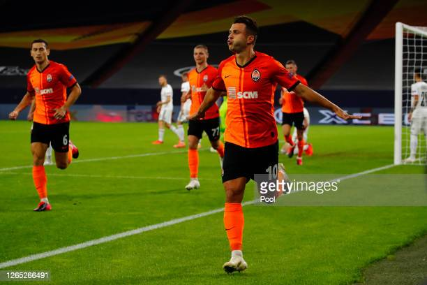 Junior Moraes of Shakhtar Donetsk celebrates after scoring his sides first goal during the UEFA Europa League Quarter Final between Shakhtar Donetsk...
