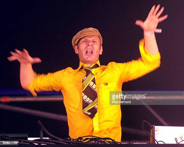 Junkie XL performs on stage at Lowlands Festival on August 24th 2002 in Biddinghuizen Netherlands