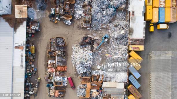 junkyard-luftaufnahme - recycling stock-fotos und bilder