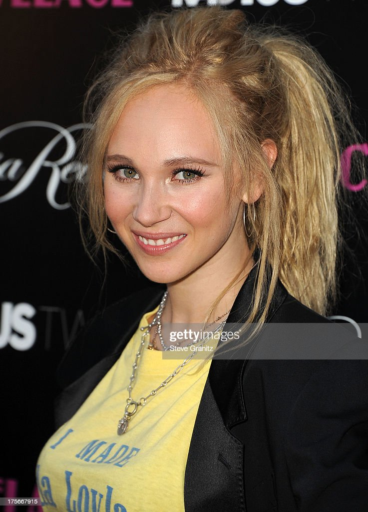 Juno Temple arrives at the 'Lovelace' - Los Angeles Premiere at the Egyptian Theatre on August 5, 2013 in Hollywood, California.