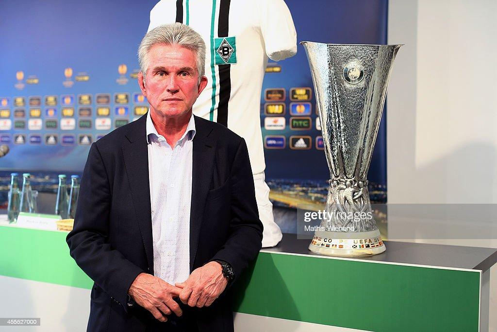 UEFA Europa League Trophy Tour At Moenchengladbach : News Photo