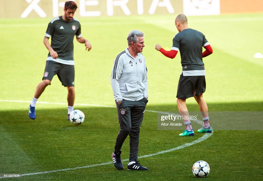 Jupp Heynckes Muenchen looks on during the Training Session prior to their UEFA Champions League match against Sevilla FC at t Estadio Ramon Sanchez Pizjuan on April 2, 2018 in Seville, Spain.