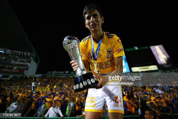 Jurgen Damm of Tigres celebrates with the Championship Trophy after the final second leg match between Leon and Tigres UANL as part of the Torneo...