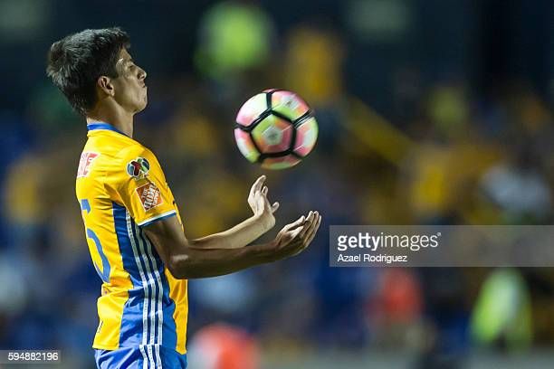 Jurgen Damm of Tigres controls the ball during the match between Tigres UANL and Plaza Amador as part of the CONCACAF Champions League 2016/17 at...