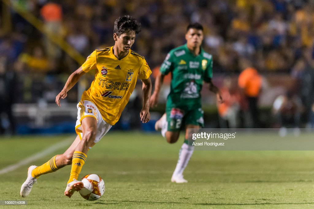 4638a98ce02 Jurgen Damm of Tigres drives the ball during the 1st round match ...