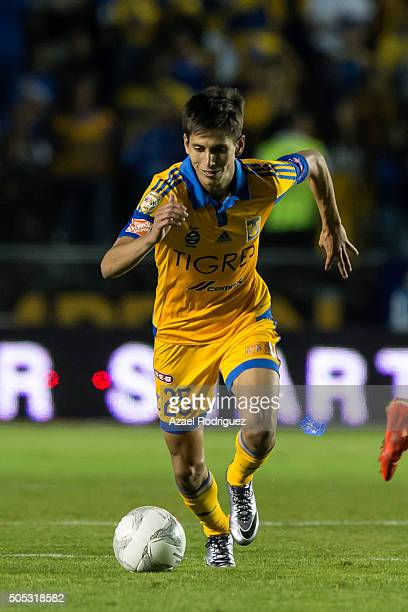 Jurgen Damm of Tigres drives the ball during the 2nd round match between Tigres UANL and Morelia as part of the Clausura 2016 Liga MX at...
