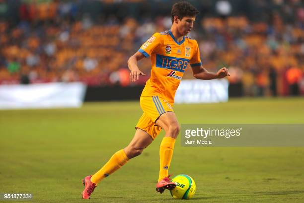 Jurgen Damm of Tigres drives the ball during the quarter finals first leg match between Tigres UANL and Santos Laguna as part of the Torneo Clausura...