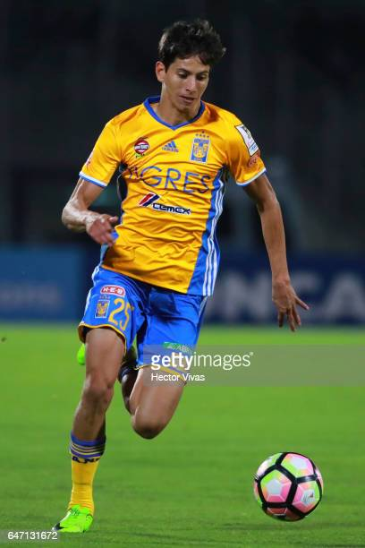 Jurgen Damm of Tigres drives the ball during the quarterfinals second leg match between Pumas UNAM and Tigres UANL as part of the CONCACAF Champions...