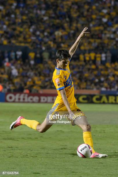 Jurgen Damm of Tigres kicks the ball during the 16th round match between Tigres UANL and Necaxa as part of the Torneo Apertura 2017 Liga MX at...
