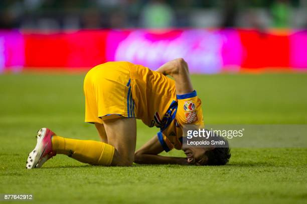 Jurgen Damm of Tigres reacts during the quarter finals first leg match between Leon and Tigres UANL as part of the Torneo Apertura 2017 Liga MX at...