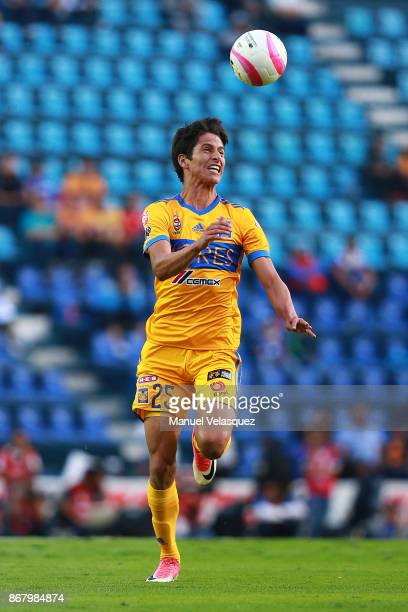 Jurgen Damm of Tigres tries to control the ball during the 15th round match between Cruz Azul and Tigres UANL as part of the Torneo Apertura 2017...
