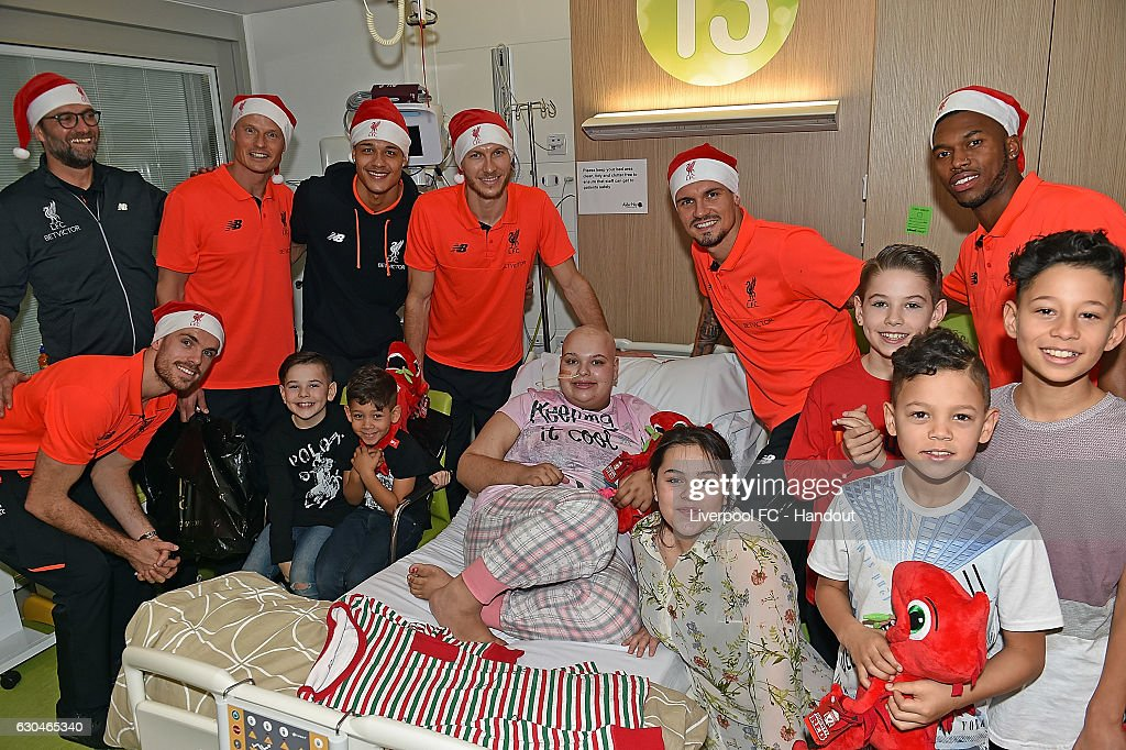 Liverpool Players Deliver Christmas Presents to Alder Hey Hospital