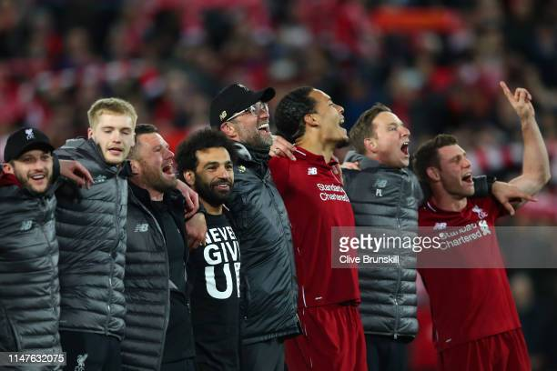 Jurgen Klopp Manager of Liverpool and Mohamed Salah of Liverpool and team mates celebrate after the UEFA Champions League Semi Final second leg match...
