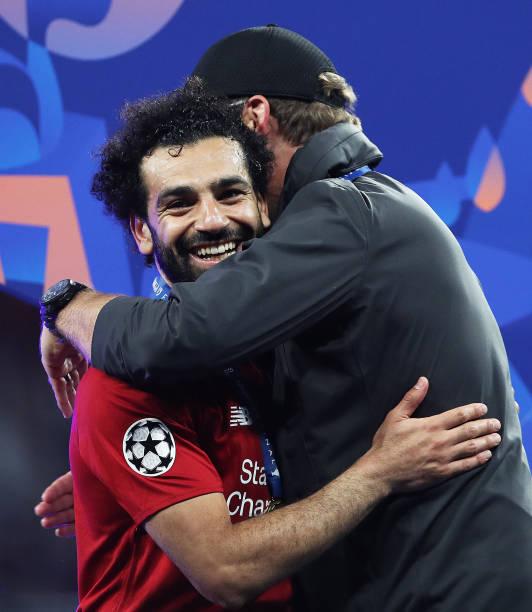 LIGUE DES CHAMPIONS UEFA 2018-2019//2020 - Page 12 Jurgen-klopp-manager-of-liverpool-hugs-mohamed-salah-of-liverpool-picture-id1153187343?k=6&m=1153187343&s=612x612&w=0&h=lOvPRT4tp5Ap4vr084r1YmqLZDI6LHRiFPQJ5KTzbUo=