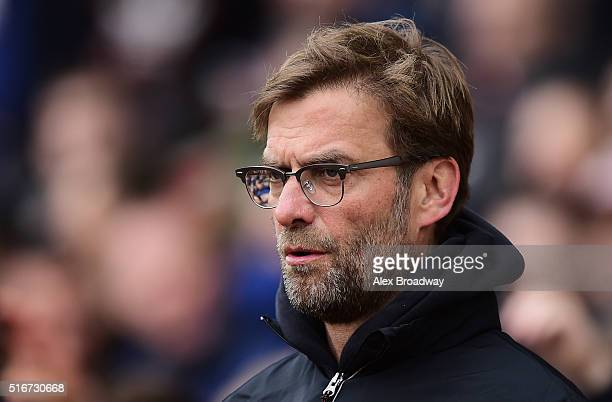 Jurgen Klopp manager of Liverpool looks on prior to the Barclays Premier League match between Southampton and Liverpool at St Mary's Stadium on March...