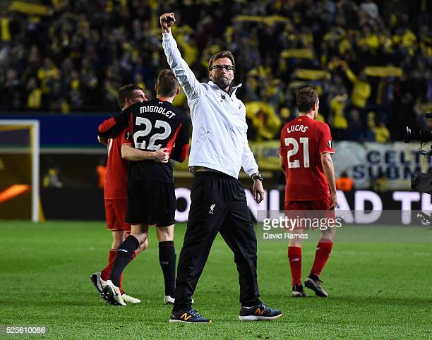 Jurgen Klopp manager of Liverpool salutes the travelling fans after the UEFA Europa League semi final first leg match between Villarreal CF and...