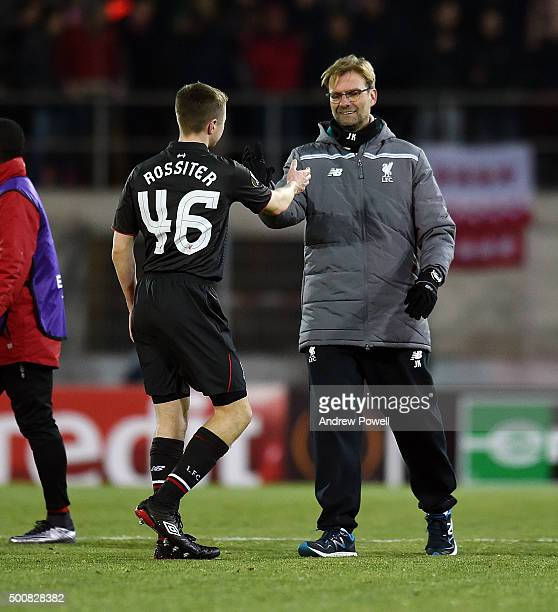 Jurgen Klopp manager of Liverpool shakes hands with Jordan Rossiter at the end of the UEFA Europa League match between FC Sion and Liverpool FC at...