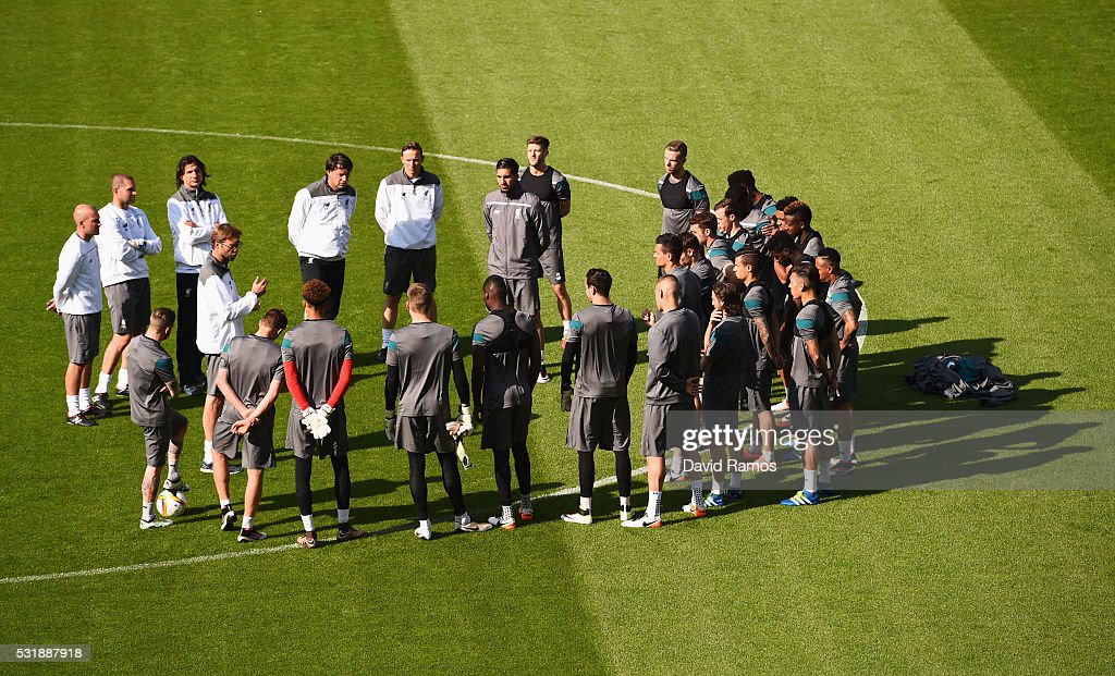 Jurgen Klopp manager of Liverpool talks to players during a Liverpool training session on the eve of the UEFA Europa League Final against Sevilla at St. Jakob-Park on May 17, 2016 in Basel, Switzerland.