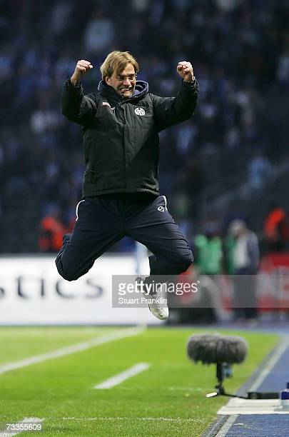 Jurgen Klopp Trainer of Mainz celebrates his team's victory during the Bundesliga match between Hertha BSC Berlin and FSV Mainz 05 at the Olympic...