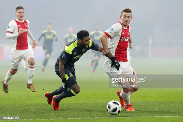 Jurgen Locadia of PSV Matthijs de Ligt of Ajax during the Dutch Eredivisie match between Ajax v PSV at the Johan Cruijff Arena on December 10 2017 in...