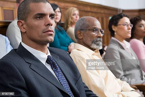 jury in der jury box - geschworener stock-fotos und bilder