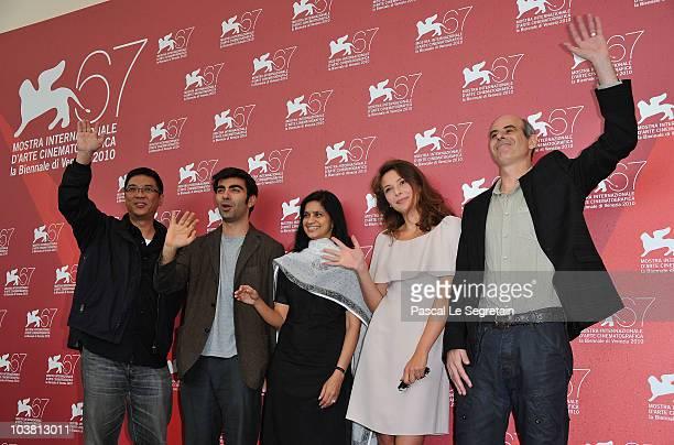 Jurors Stanley Kwan Fatih Akin Nina Lath Gupta Jasmine Trinca and Samuel Maoz attend the Luigi De Laurentiis Venice Award for a Debut Film photocall...