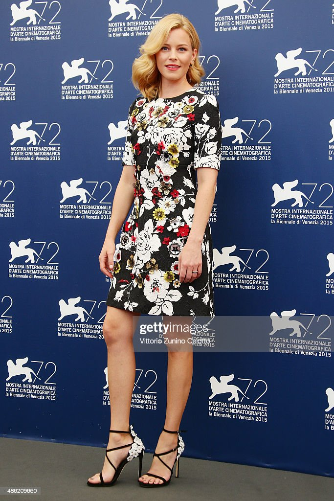 Jury member Elizabeth Banks attends the Venezia 72 Jury Photocall during the 72nd Venice Film Festival on September 2, 2015 in Venice, Italy.