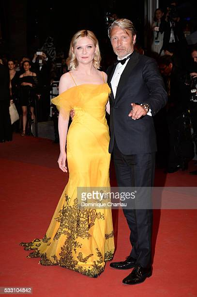 """Jury members Kirsten Dunst and Mads Mikkelsen attend """"The Neon Demon"""" Premiere during the 69th annual Cannes Film Festival at the Palais des..."""