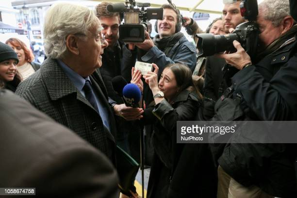 Jury President for France's Goncourt literary prize Bernard Pivot arrives at Drouant restaurant in Paris on November 7 2018 for the prizegiving...